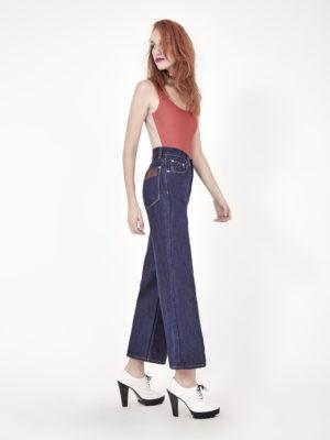 calça jeans pantalona cintura alta